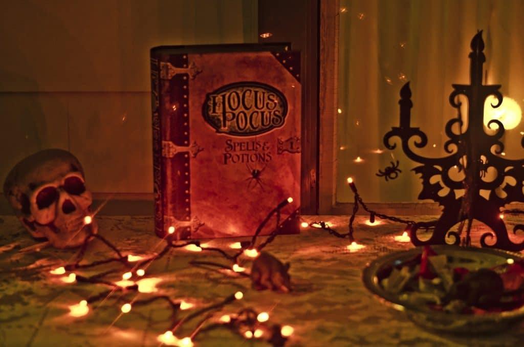 hocus-pocus-469282_1280